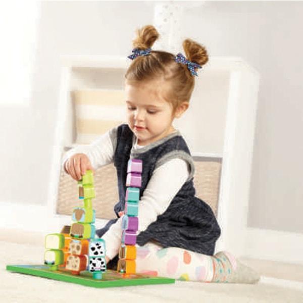 Kiểu tóc ngắn cho bé gái 3 tuổi búi cao 2 bên
