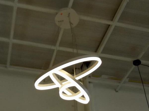 Loại đèn trang trí cho các sãnh đám cưới
