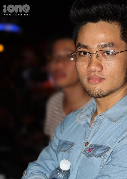20140625204039-bo-bang-dai-hoc--chang-cu-nhan-mo-quan-bun-rieu-dat-khach-moneydaily-1