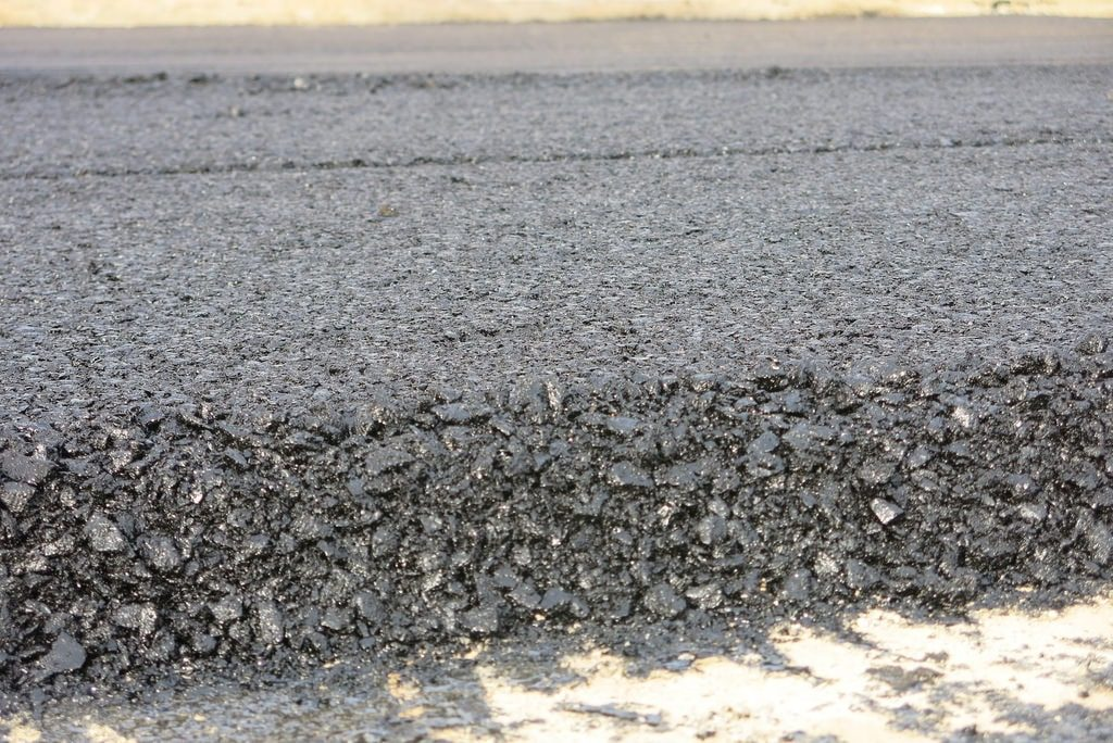 bê tông nhựa hạt trung là gì