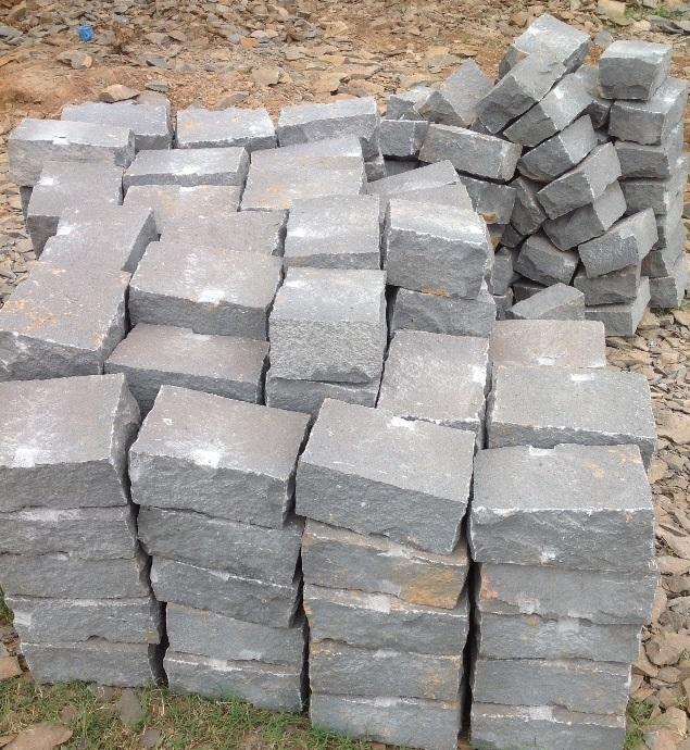 các loại đá chẻ xây móng