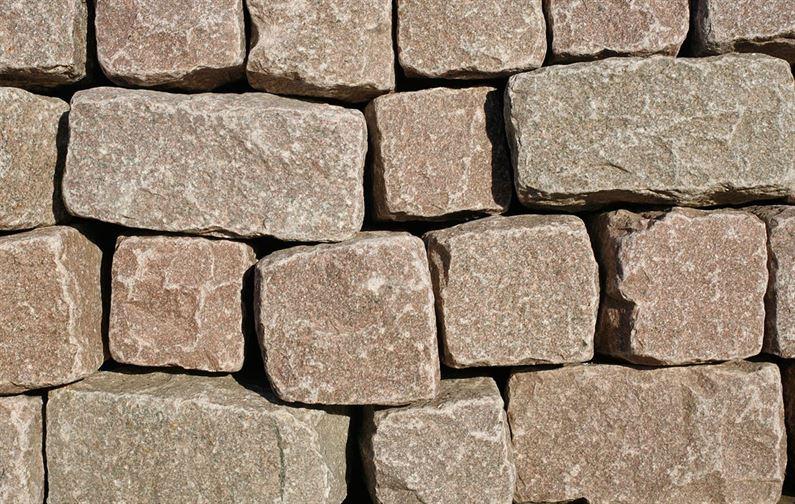 đá chẻ viên xây móng