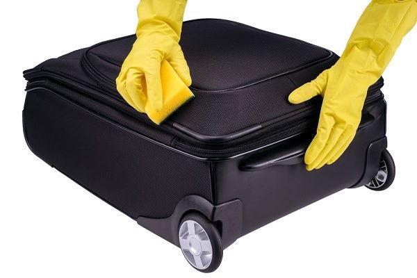 Cách làm sạch vali BẠN NÊN BIẾT để giữ vali luôn BỀN và ĐẸP