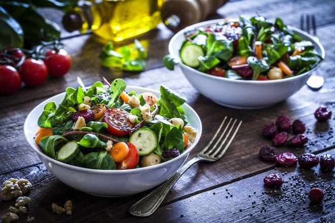 Ăn nhiều salad detox