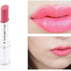 Son Shu Uemura Matte Lipstick 355 chất sonmềm mịn mượt mà, lướt trên môi một cách dễ dàng