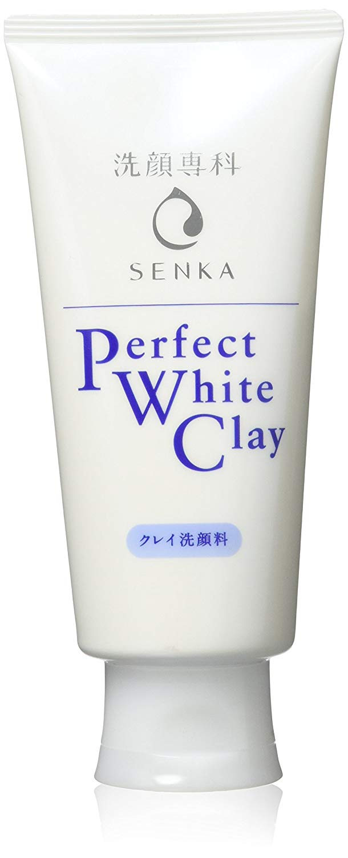 Sữa rửa mặt Perfect Whip của Senka màu trắng