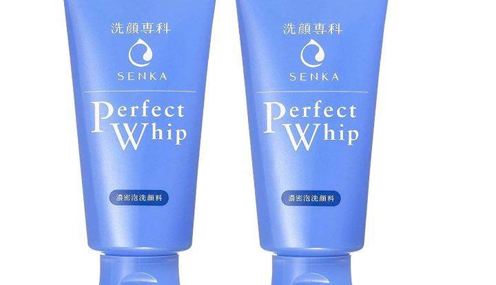 Sữa rửa mặt Perfect Whip của Senka màu xanh