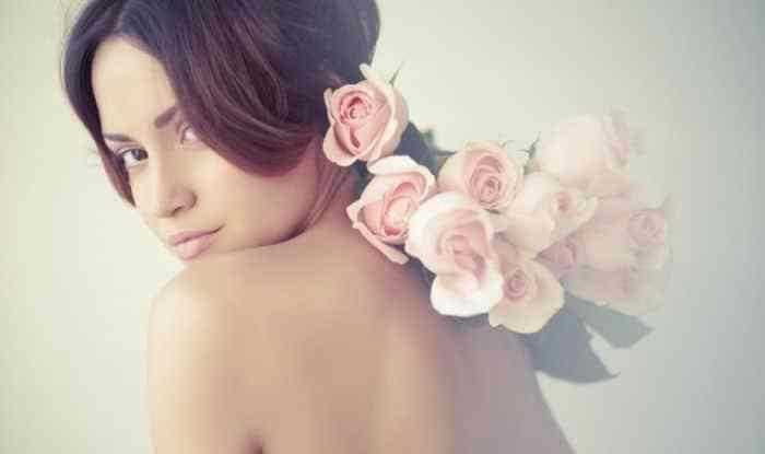 Viên hoa hồng thơm cơ thể Kyuendo 60 viên chứa đến nghìn cây bông hồng, hoàn toàn tự nhiên, kết hợp với các thành phần tự nhiên, an toàn sẽ giúp bạn chăm sóc không chỉ mùi cơ thể mà là da, sức khỏe đều cải thiện rất tốt,