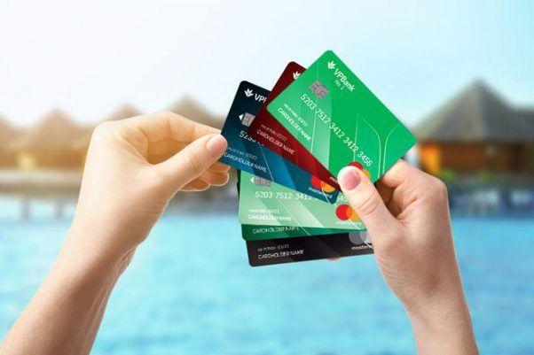 thẻ vay nợ