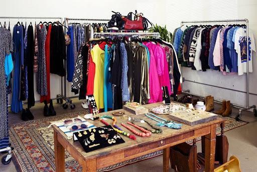Ý tưởng kinh doanh quần áo - Mở shop bán quần áo với 2 triệu đồng