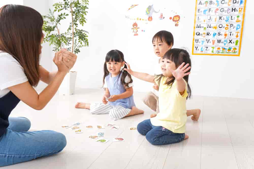 Bí quyết rèn luyện khả năng phản xạ tiếng Anh cho trẻ em